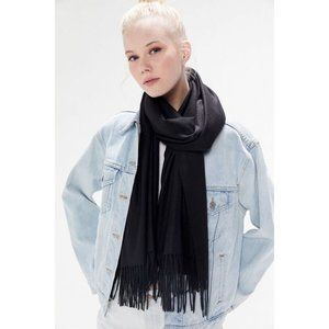 Urban Outfitters   NWT Faye Fringe Scarf